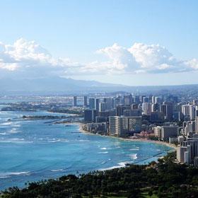 アメリカ・ハワイ不動産を専門とする弊社スタッフ